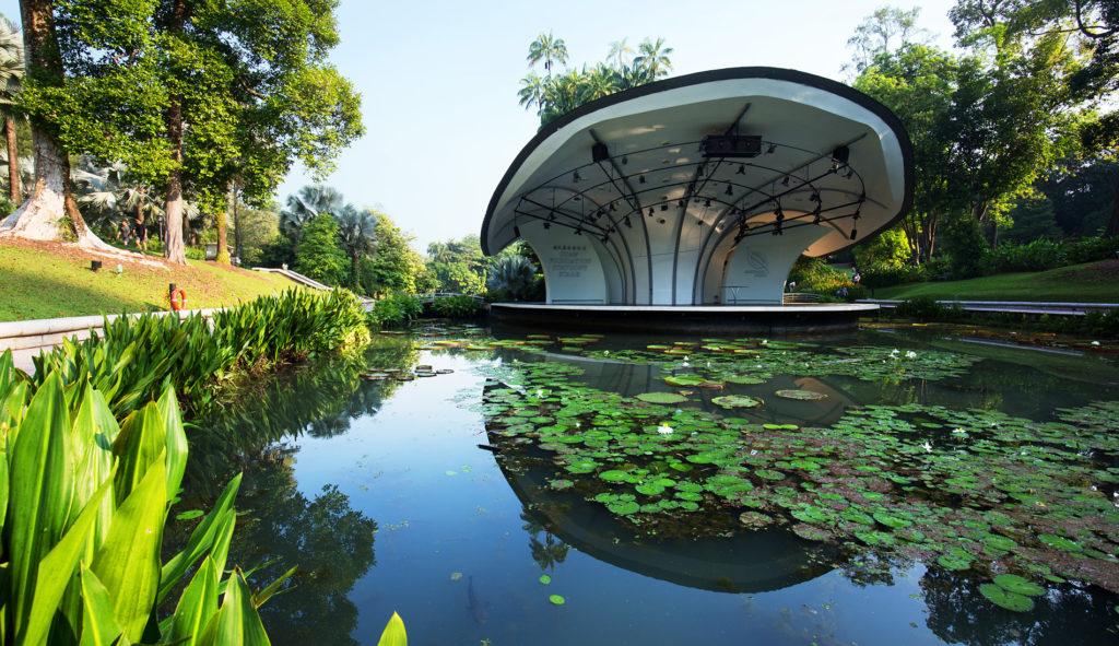 botanic gardens money lender